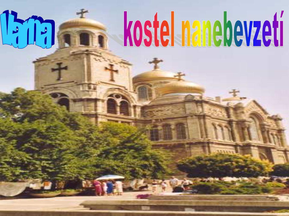 Starobylá Varna Varna je okouzlující historické město nabízející náruč s nepřeberným množstvím památek. Kromě úchvatné katedrály Nanebevzetí a Archeol