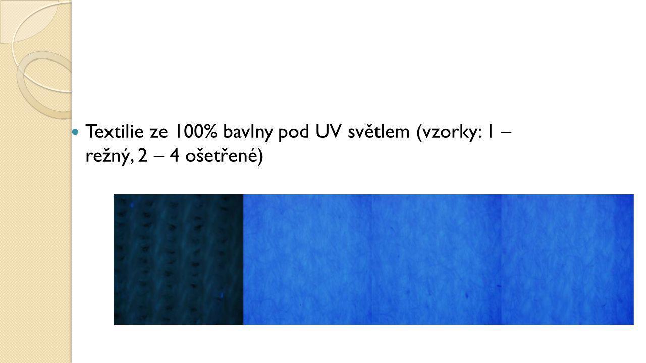 Textilie ze 100% bavlny pod UV světlem (vzorky: 1 – režný, 2 – 4 ošetřené)
