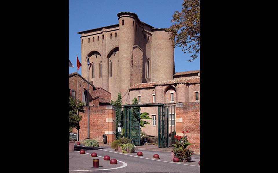 Kousek za katedrálou v Palais de la Barbie, kde bydleli ve 13.