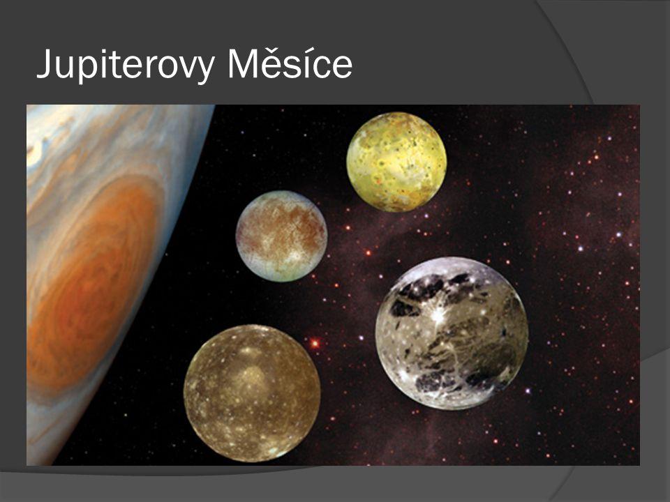 Metis  Nejbližší Jupiterův měsíc, má nepravidelný tvar a leží uvnitř hlavního prstence planety.
