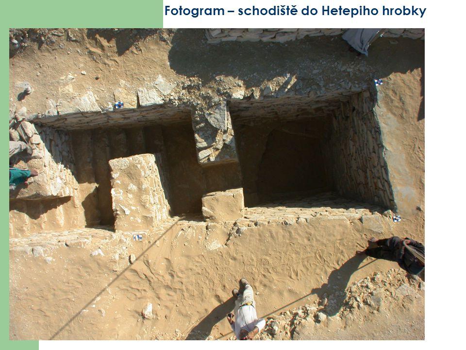 Fotogram – schodiště do Hetepiho hrobky