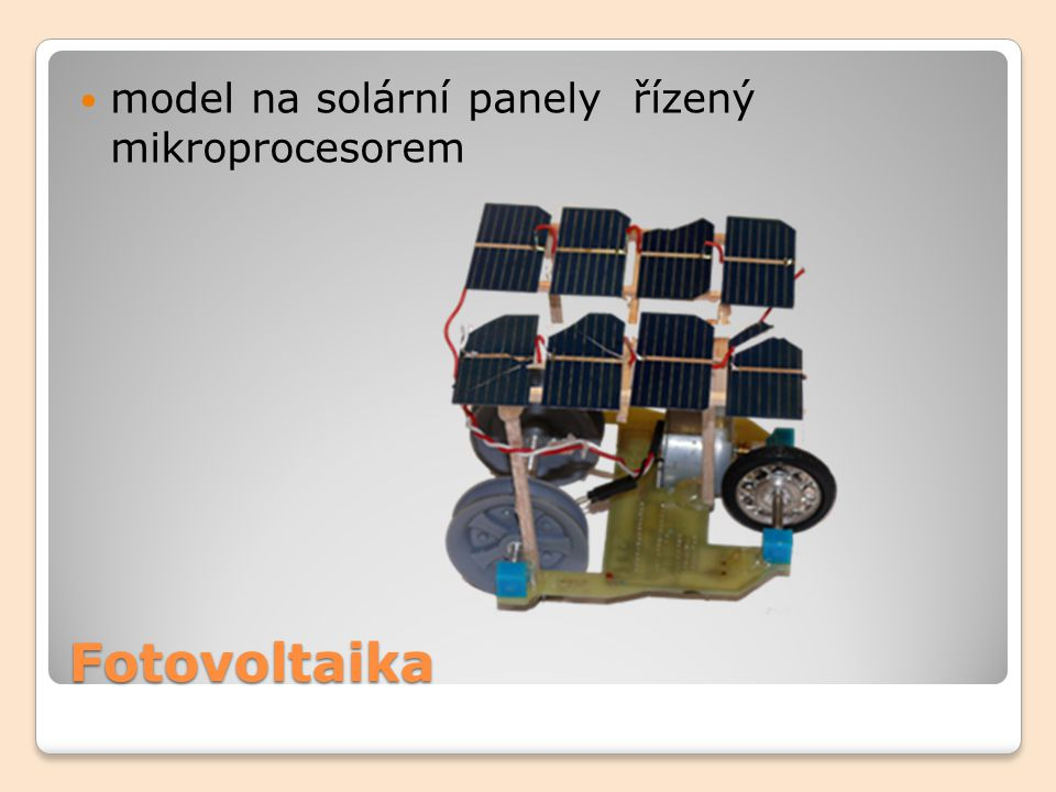 Fotovoltaika model na solární panely řízený mikroprocesorem