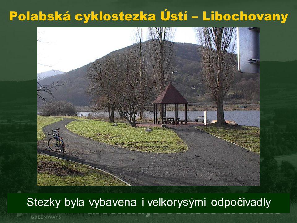 Polabská cyklostezka Ústí – Libochovany Stezky byla vybavena i velkorysými odpočivadly