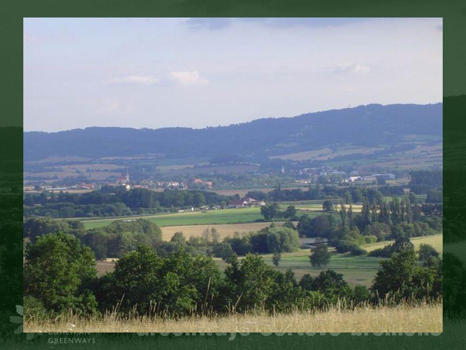 Polabská cyklostezka Ústí – Libochovany Stezka je součástí dálkové trasy Praha – Drážďany – Hamburk (Elberadweg).