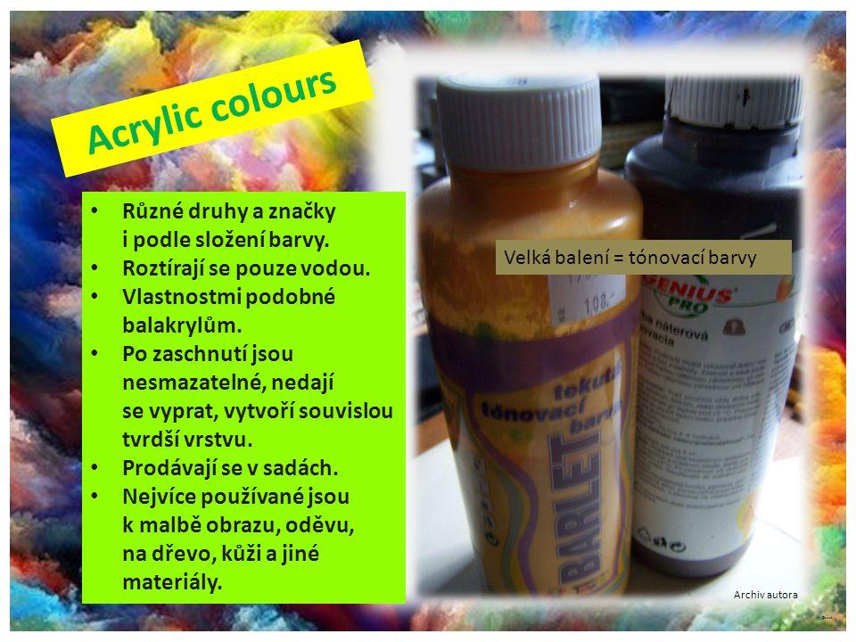 ©c.zuk Různé druhy a značky i podle složení barvy. Roztírají se pouze vodou. Vlastnostmi podobné balakrylům. Po zaschnutí jsou nesmazatelné, nedají se