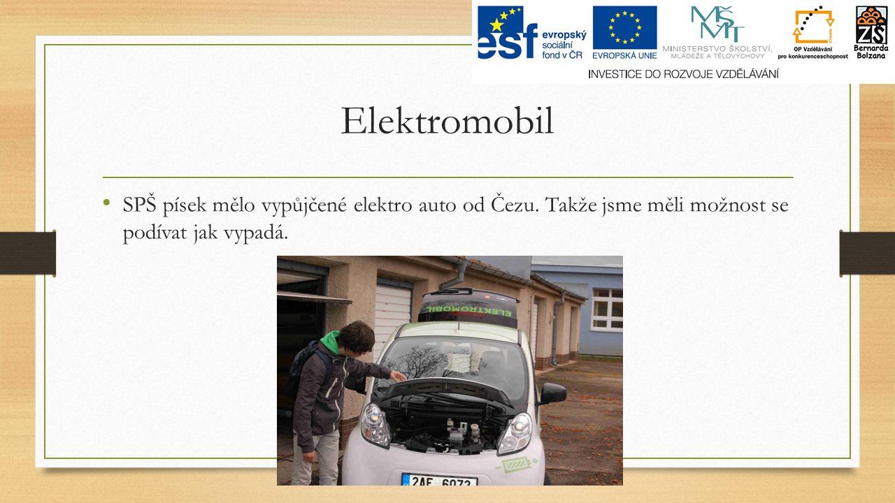 Elektromobil SPŠ písek mělo vypůjčené elektro auto od Čezu.