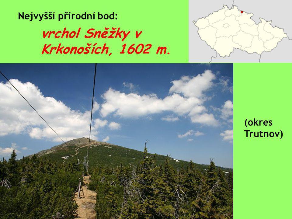 vrchol Sněžky v Krkonoších, 1602 m. Nejvyšší přírodní bod: (okres Trutnov)