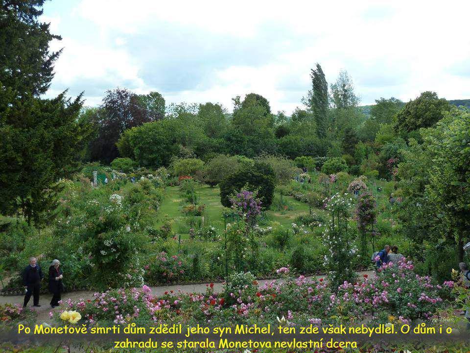 Ten, kdo zahradu navštíví, se ocitá v impresionistickém světě barev a hry světla a stínů - zkrátka v Monetově obrazu
