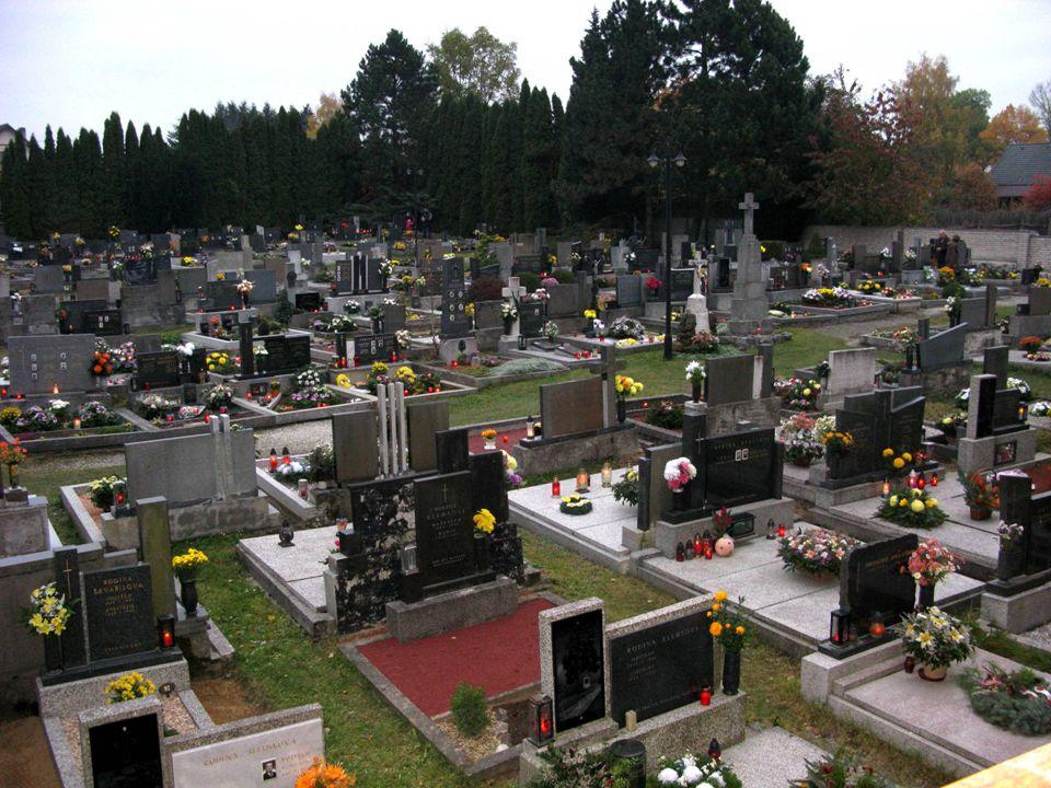 Večerní hřbitov
