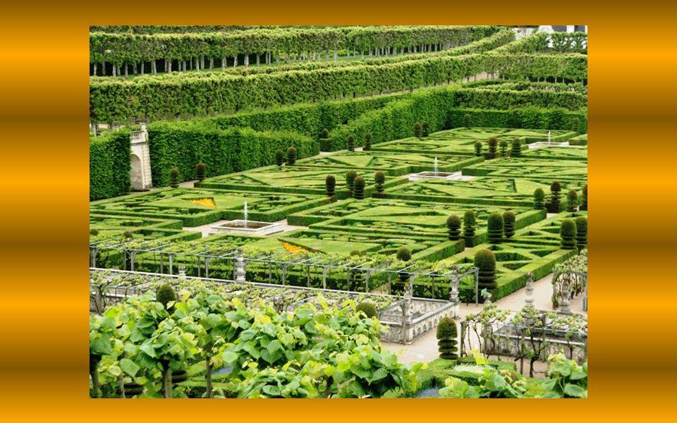 V r. 1906 získal zámek Joachim Carvallo.
