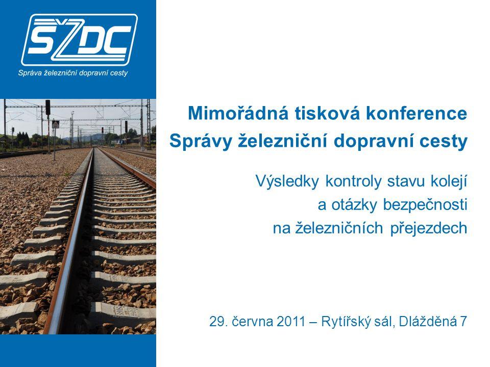 první část – výsledky mimořádné kontroly tratí a následná opatření druhá část – bezpečnost na železničních přejezdech třetí část – dotazy 2 Výsledky kontroly stavu kolejí a otázky bezpečnosti na železničních přejezdech Program tiskové konference
