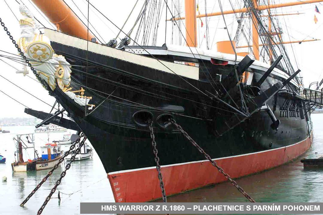 LOĎ HMS WARRIOR U VSTUPU DO NÁMOŘNÍHO MUZEA