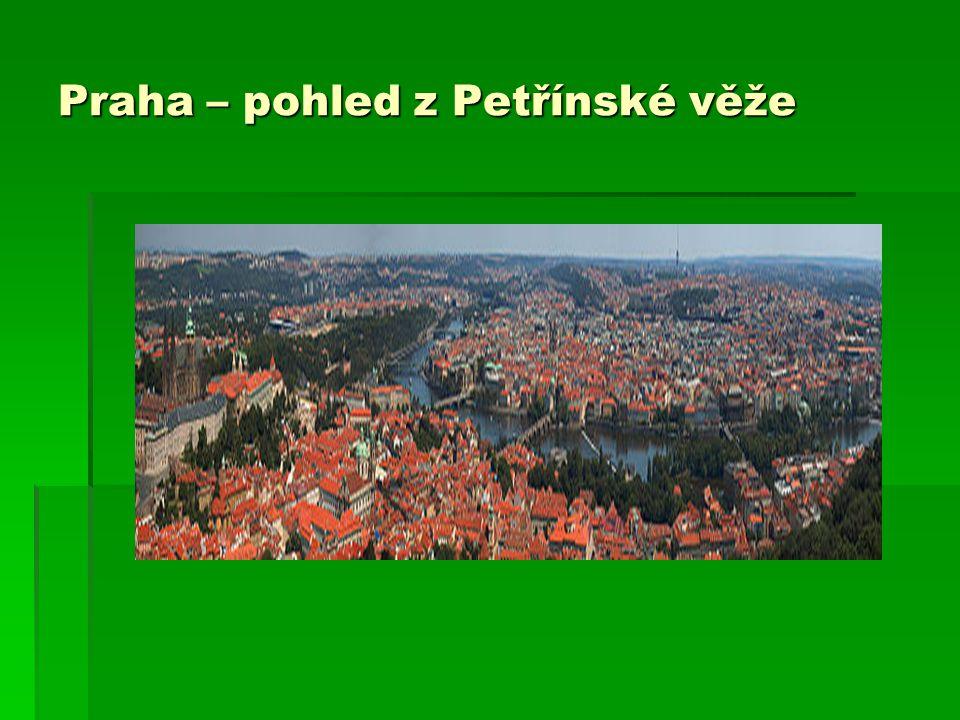 Praha – pohled z Petřínské věže