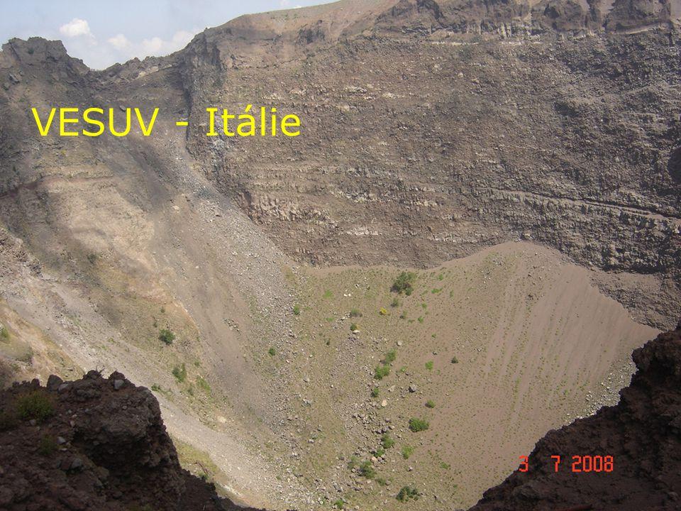 5.Druhy vyvřelých hornin podle místa utuhnutí a) Hlubinné – žula, gabro.