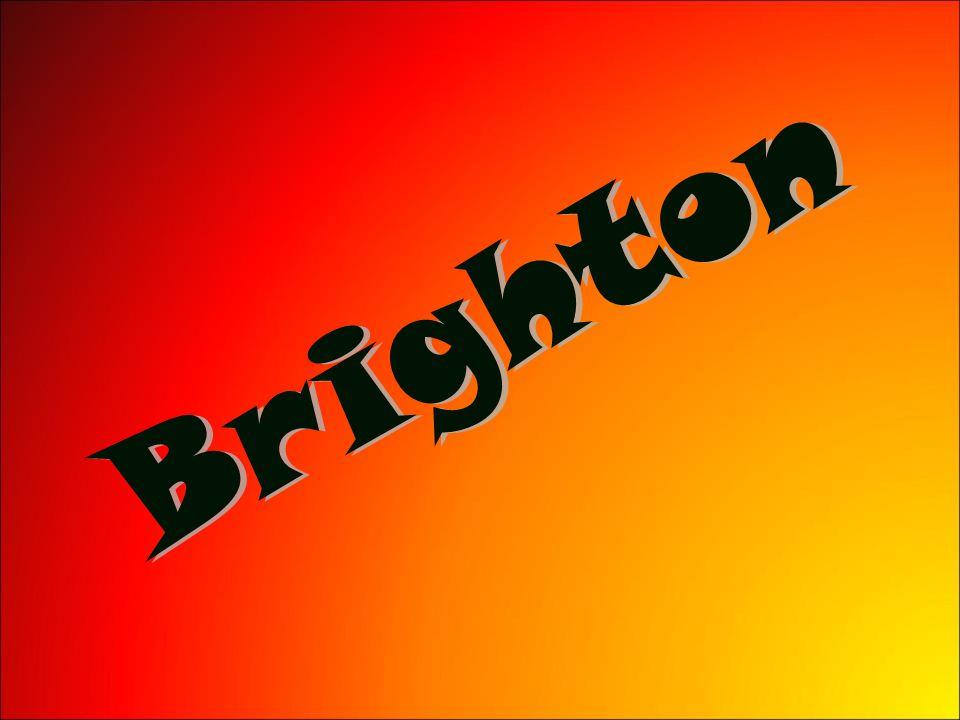 Lázeňské město Brighton se nachází 87 km jižně od centra Londýna.