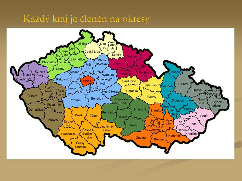 Každý kraj je členěn na okresy