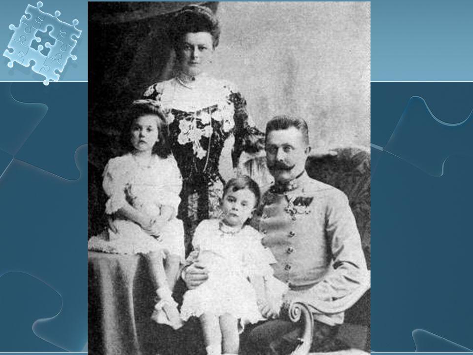 Atentát Na nic netušící pár zaútočí mladík Gavrilo Princip a zastřelí jak Františka Ferdinanda d´ Este tak jeho ženu Žofii Nejprve umírá Žofie a pak její manžel.