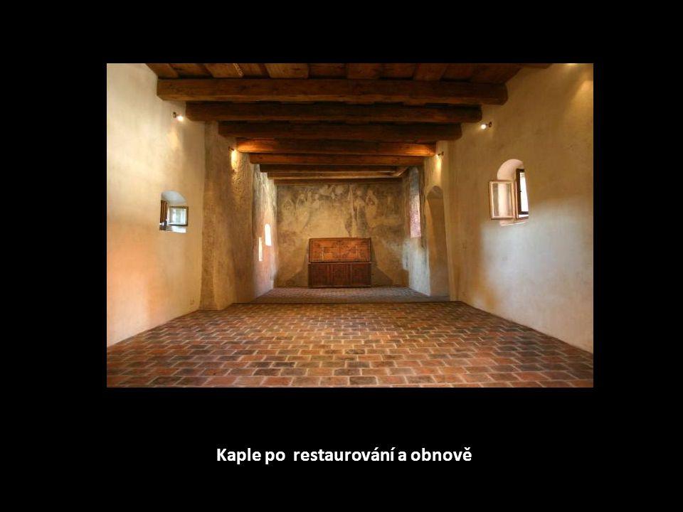 Snový pohled z kaple na nádvoří