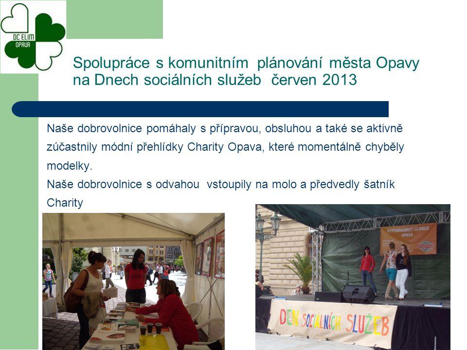 Pravidelné ocenění dobrovolníků v rámci dne sociálních služeb na Horním náměstí, které se bude konat v červnu 2014.