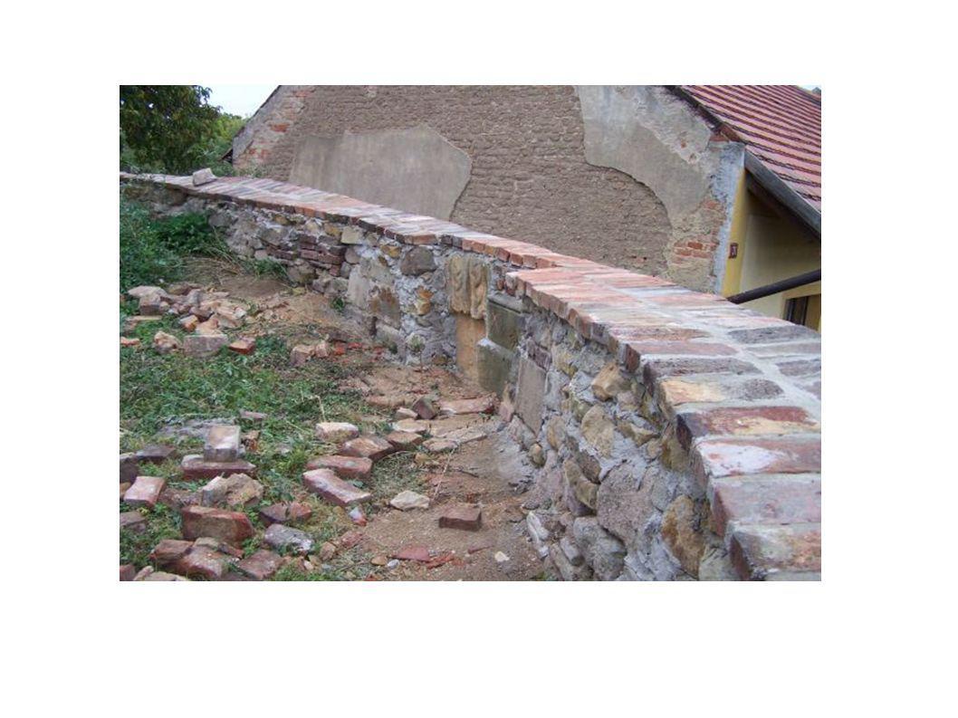 Ministerstvo kultury poskytlo dotaci na opravu hřbitovní zdi dotace ve výši 384.000 Kč náklady 516.000 Kč Firma Arnošt s.r.o. Tismice provedla od srpn