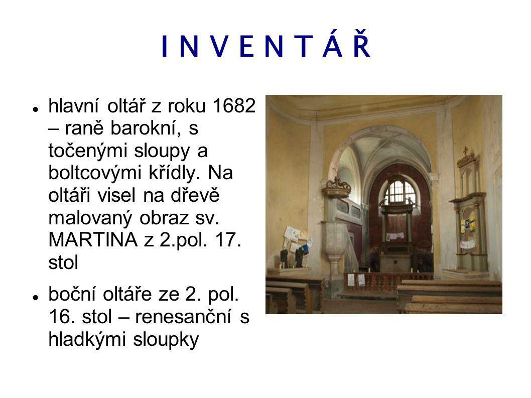 H I S T O R I E První zmínky o obci ROSTOKLATY pocházejí z roku 1295, kdy zde sídlil nižší šlechtic ZDESLAV Z CHROUSTOKLAT se synem JANEM. původně na