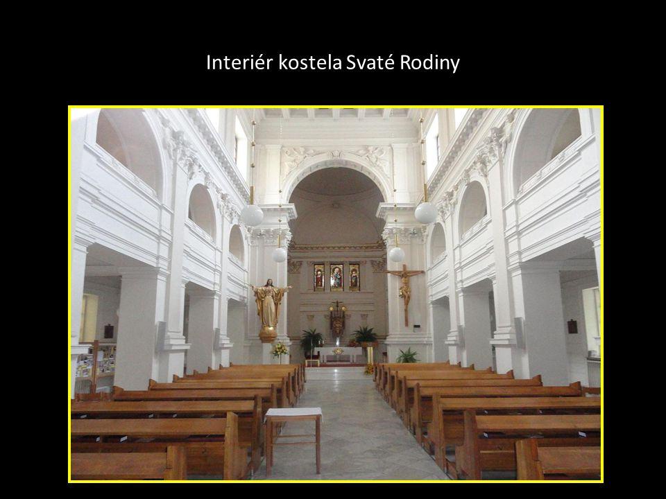 Kostel Svaté Rodiny Grohova ulice vlevo je pohled na původní stav- vzhled kostela vpravo je pohled na současný stav, kde je vstup do kostela