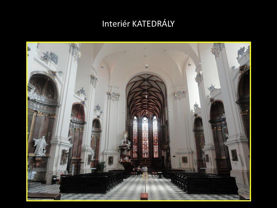 Interiér kostela Nalezení sv.