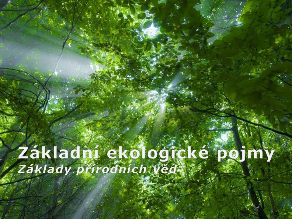 Page 2 Ekologie odvozeno z řeckého oikos = domov Vědecké studium vzájemných interakcích mezi organismy a jejich prostředím Porozumění procesům a strukturám v živé přírodě Nestačí pouhý popis