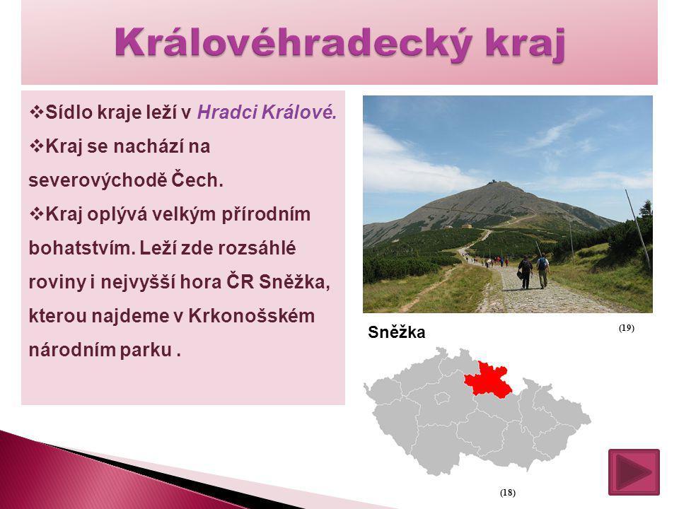  Sídlo kraje leží v Hradci Králové.  Kraj se nachází na severovýchodě Čech.  Kraj oplývá velkým přírodním bohatstvím. Leží zde rozsáhlé roviny i ne