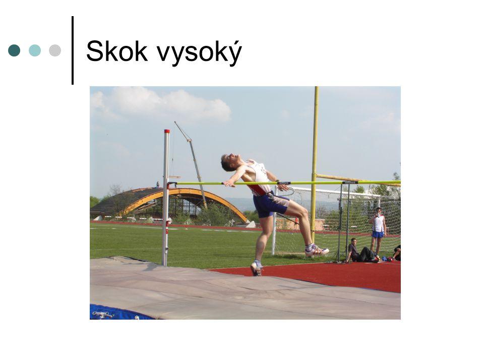 Skok daleký – speciální tréninkové prostředky Rozvoj techniky běhu - sprintérská SBC - úseky rychlostní vytrvalosti - běh v terénu (fartlek) - přeběh překážek