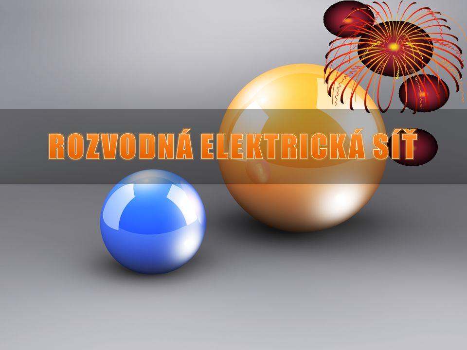 Poznali jsme, že Faradayův objev elektromagnetické indukce umožnil ve velkém výrobu elektrické energie v elektrárnách pomocí alternátorů.