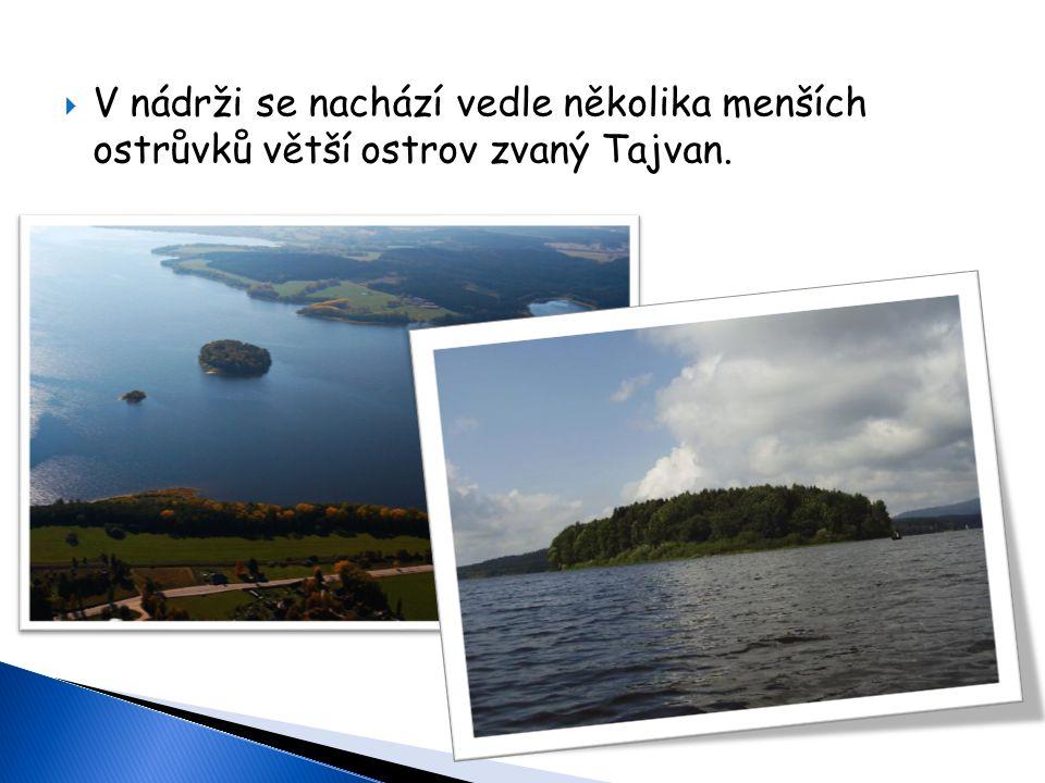  V nádrži se nachází vedle několika menších ostrůvků větší ostrov zvaný Tajvan.