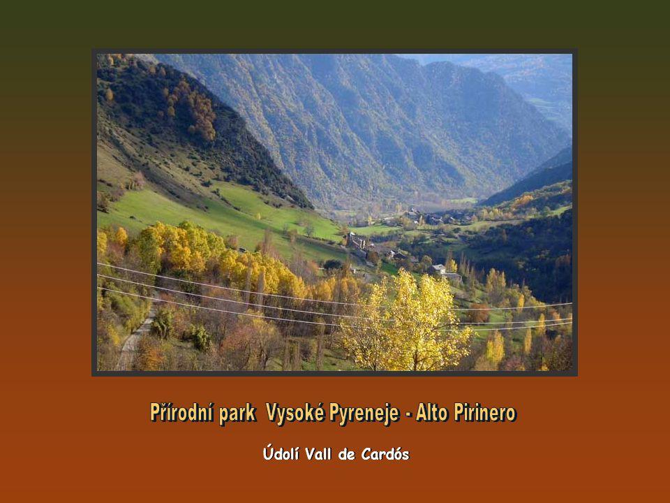 Pohoří Sierra de Tumeneia Montardo (2.833m), Pa de Sucre (2.809m) a Punta d Harlé (2.893m) Pohoří Sierra de Tumeneia Montardo (2.833m), Pa de Sucre (2.809m) a Punta d Harlé (2.893m)