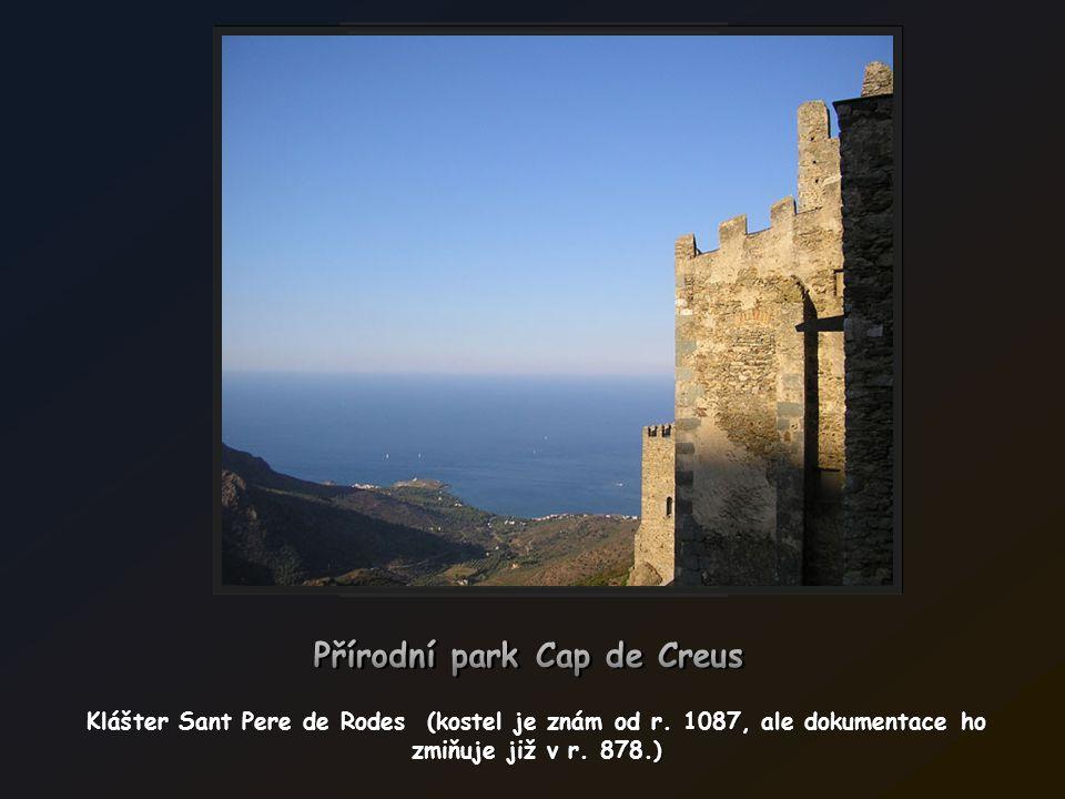Mys Cabo de Creus kde Pyreneje se dotýkají moře