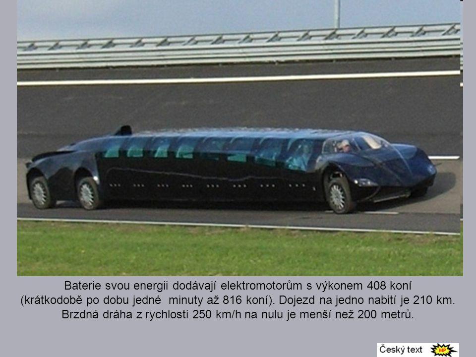 Elektromotor o výkonu 530 koní dokáže autobus rozpohybovat na cestovní rychlost 250 kmh, pokud se na to ale šlápne, rafička tachometru se umí dotknout