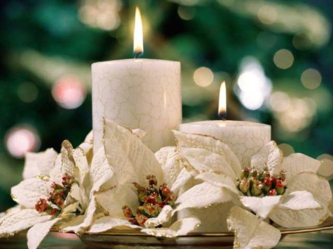 Až svíce na stromečku zazáří a zvonky začnou hrát, já ač neviděn, hodně lásky a štěstí k vánocům, budu přát…