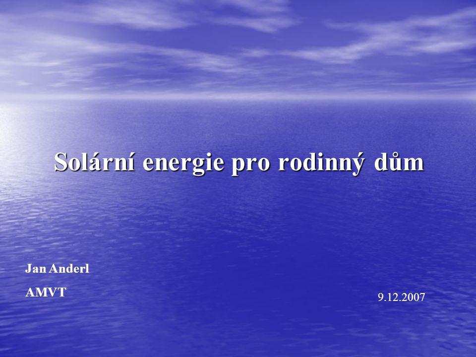 """Energie slunečního záření Intenzita na povrchu Slunce – 63000 kW/m 2 Intenzita na povrchu Slunce – 63000 kW/m 2 Intenzita na okraji atmosféry – 1367 W/m 2 (sluneční konstanta) Intenzita na okraji atmosféry – 1367 W/m 2 (sluneční konstanta) Intenzita """" k dispozici – 800 až 1000 W/m 2 Intenzita """" k dispozici – 800 až 1000 W/m 2 Globální záření Roční úhrny v nejslunnějších místech světa – 2200 kWh/m 2 Roční úhrny v Česku – 1250 kWh/m 2"""