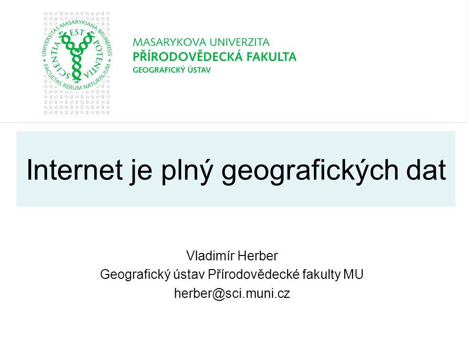 Vladimír HerberBrno - 201352 Národní geoportál INSPIRE nahradil geoportál CENIA velmi užitečný je při studiu využití země – disponuje totiž (v sekci Mapy – Přírodní prvky a jevy) dostupnými zdroji dat CORINE Land Cover 2006, 2000 a 1990.