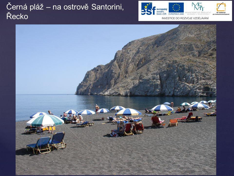 Černá pláž – na ostrově Santorini, Řecko