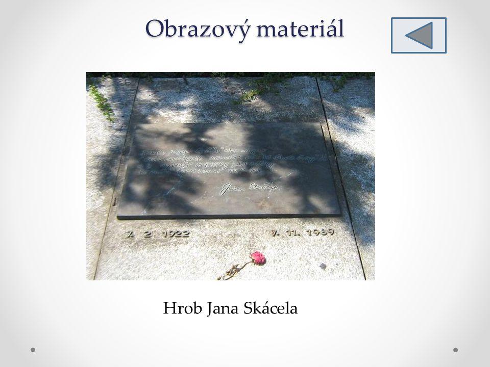 Obrazový materiál Hrob Jana Skácela