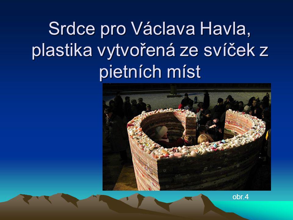 Srdce pro Václava Havla, plastika vytvořená ze svíček z pietních míst obr.4