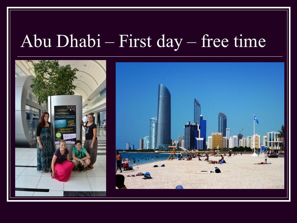 Second Day Odpoledne je pro všechny zahraniční účastníky připravena návštěva Velké mešity šejka Zayeda Nachází se 13 km na jih od centra Abu Dhabi a pojme až 40 000 věřících Je zdobena zlatem, sklem, mramorem a podlahu pokrývá největší perský koberec na světě