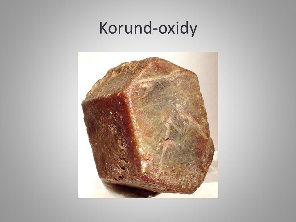 Korund-oxidy
