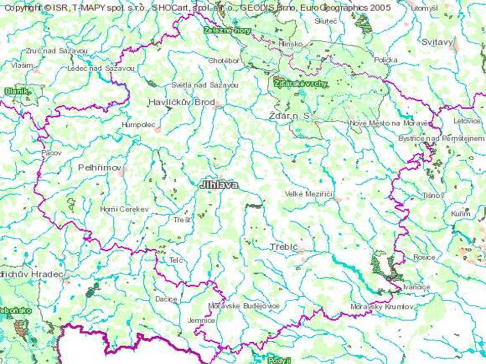 Vodstvo Vysočina je prameništěm mnoha řek Východní část patří k úmoří Černého moře Západní část k úmoří Severního moře Větší: Sázava Jihlava Oslava Svratka Chrudimka Nedílnou součástí krajiny jsou také rybníky