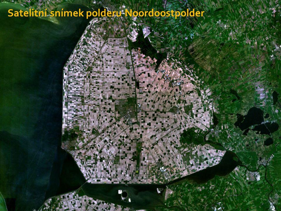Nizozemsko – přírodní podmínky  Marše jsou úrodné pobřežní nížiny na říčních nánosech  Při jejich dostatečném odvodnění se mění v úrodná pole  Na východě a jihu Nizozemska se nachází pahorkatina, jejichž údolími protékají velké evropské řeky (Rýn)  Na jihozápadě se táhne lesnatá plošina, kde se nachází nejvyšší vrchol Nizozemska, 321 metrů vysoký Vaalserberg