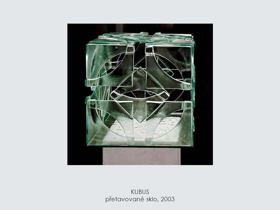 DVOJITÝ OBLOUK – CHRÁM přetavované sklo, 2006