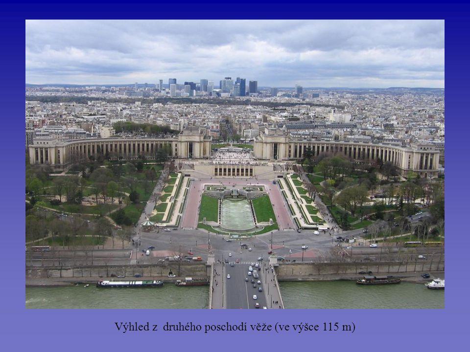 Velký Vítězný oblouk - postaven na přání Napoleona