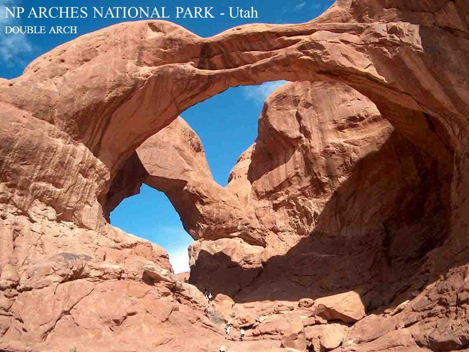 NP ARCHES NATIONAL PARK - Utah DOUBLE ARCH