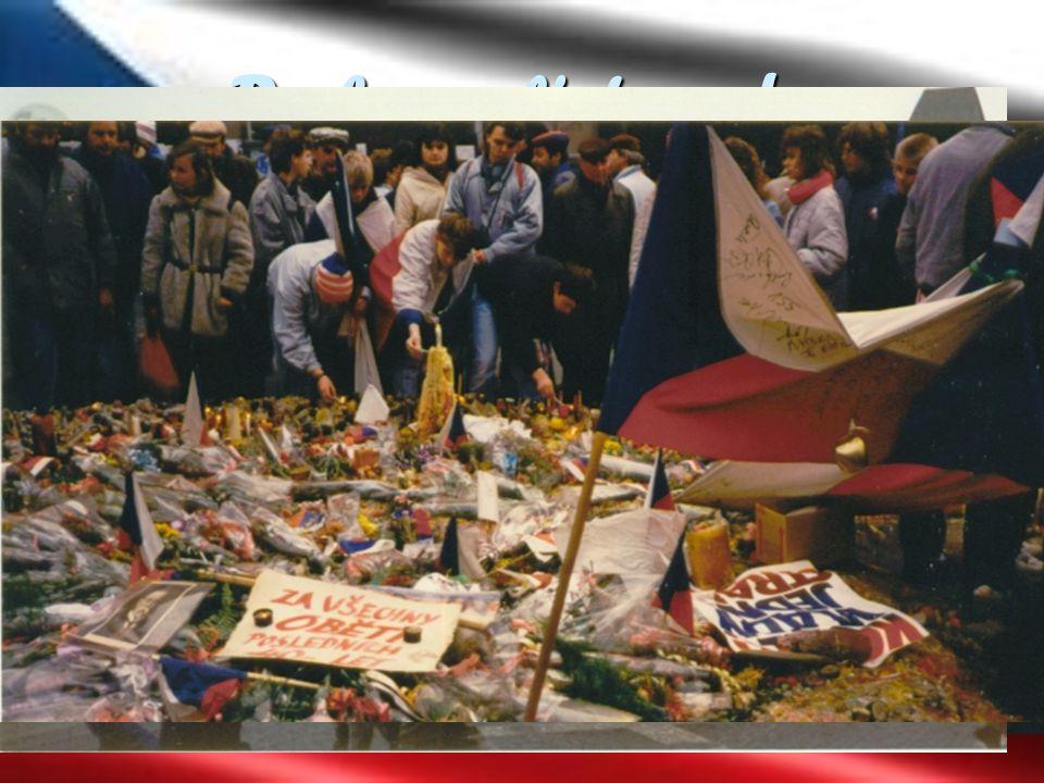 Do konce listopadu  20.11. – demonstrace na Václavském náměstí 100-150 tisíc lidí.