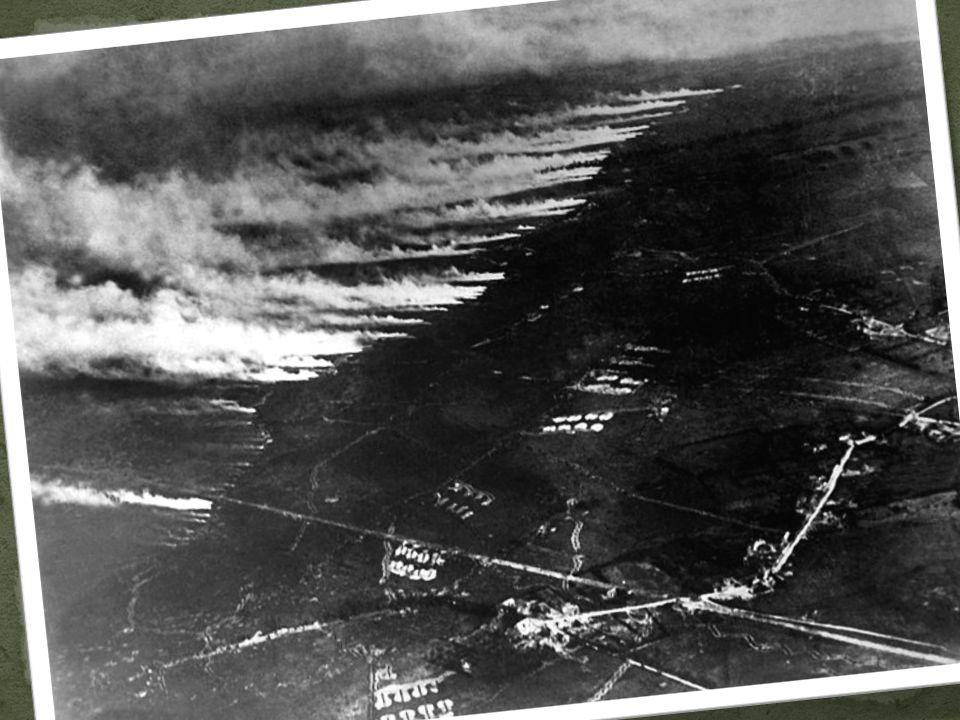 Stalo se tak v Belgii u města Yper Byl použit bojový plyn – chlór Vzhledem k tomu, že se použil u města Yper, dostal pojmenování Yperit Nevýhody použi
